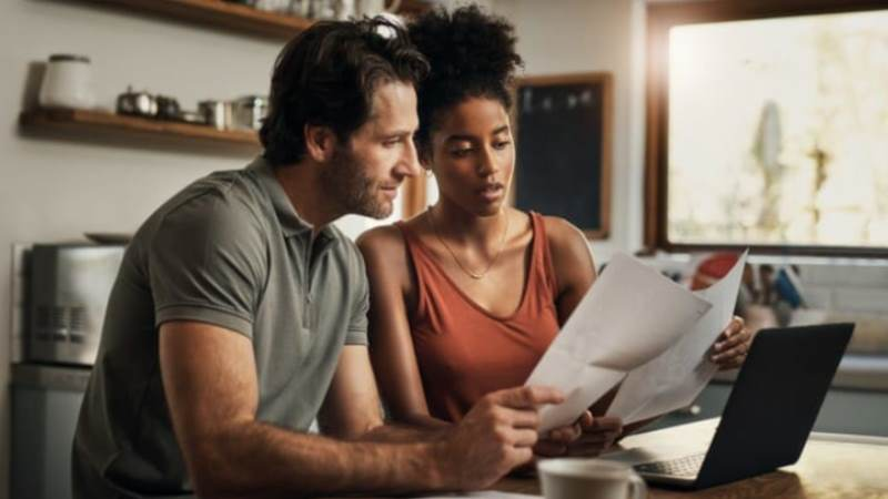 5 Reasons Why You Should Consider Refinancing Your Loans